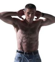 Muskler och en fin kropp kan du få om du fastar och tränar samtidigt