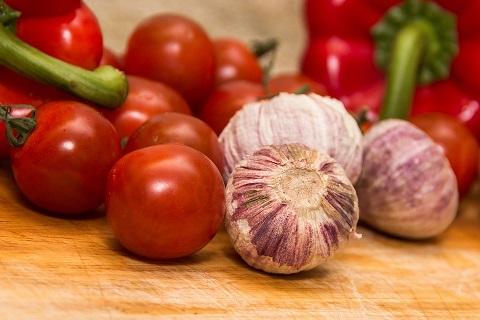 Tomater och vitlök